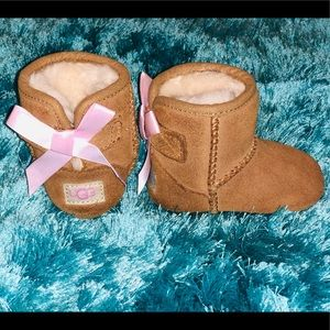 Baby UGG boots with pink bow size 0/1